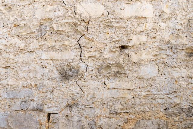 Hairline Ceiling Crack Repair Tips
